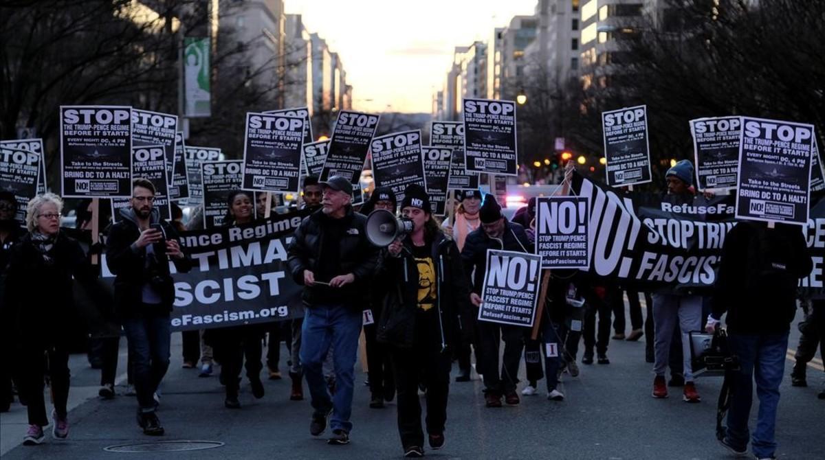 Una manifestación contra Trump el miércoles en Washingtonorganizada por una organización contra el racismo.