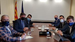 El 'conseller' d'Empresa, Roger Torrent, se reúne con el presidente de Pimec, Antoni Cañete.