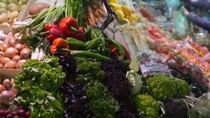 Puesto de frutas y verduras.