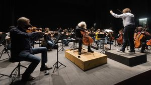 Tomàs Grau, en un ensayo de la orquesta Camera Musicae con Mischa Maisky la semana pasada en Tarragona.