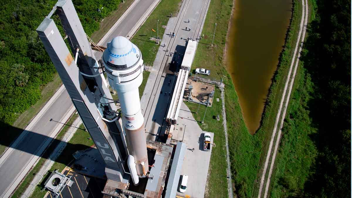 El cohete Atlas V con la nave Starliner, en Cabo Cañaveral, Florida.
