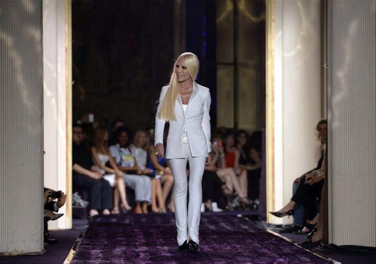 Donatella Versace abre la semana de la alta costura de París