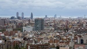 Vista general de la ciudad de Barcelona desde el mirador de Torre Baró