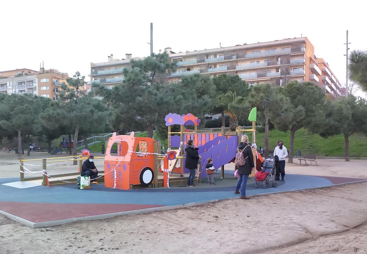 Mataró: l'única gran ciutat de Barcelona que manté tancats els parcs infantils