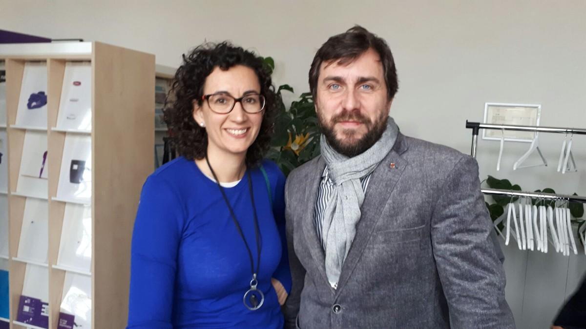 Marta Rovira, junto al 'exconseller' Toni Comín, en Bruselas.