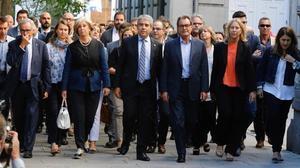 Homs acude a declarar al Supremoacompañado de una comitiva encabezada por el expresident Mas.