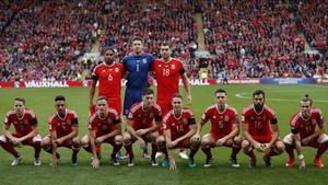 Los jugadores de Gales posan antes del partido contra Georgia en Cardiff.