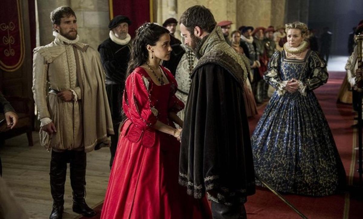 Macarena Garcia y Carles Francino protagonizan el telefilme de TVE 'La española inglesa'.