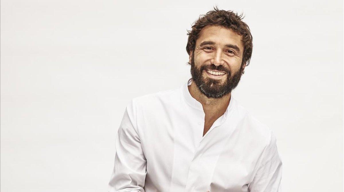 El actor Álex García, que da vida a Álex Parra en la serie 'Antidisturbios' (Movistar+).