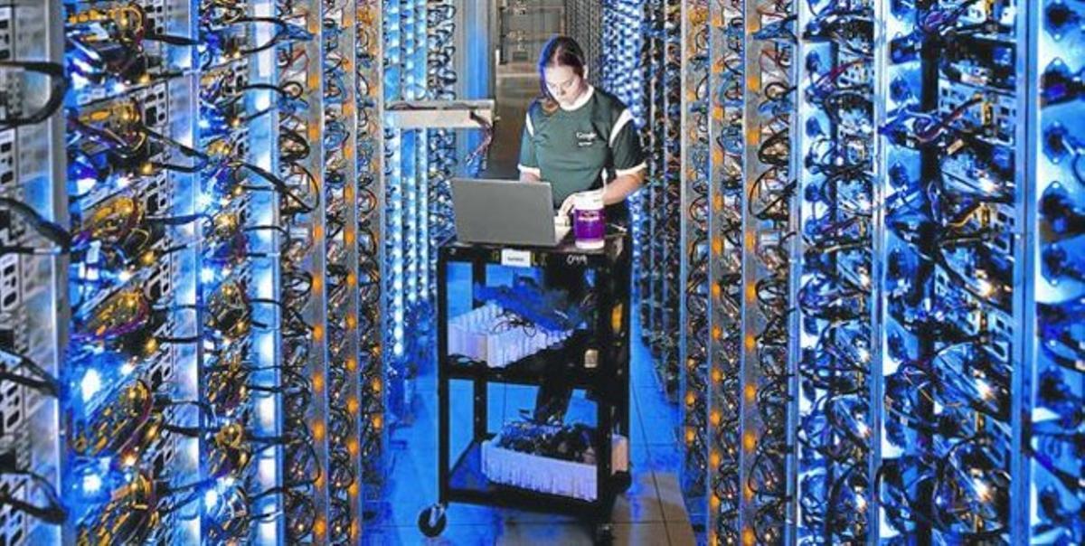 Un centro de almacenamiento y procesamiento de datos de Google, en Oregón (EEUU).