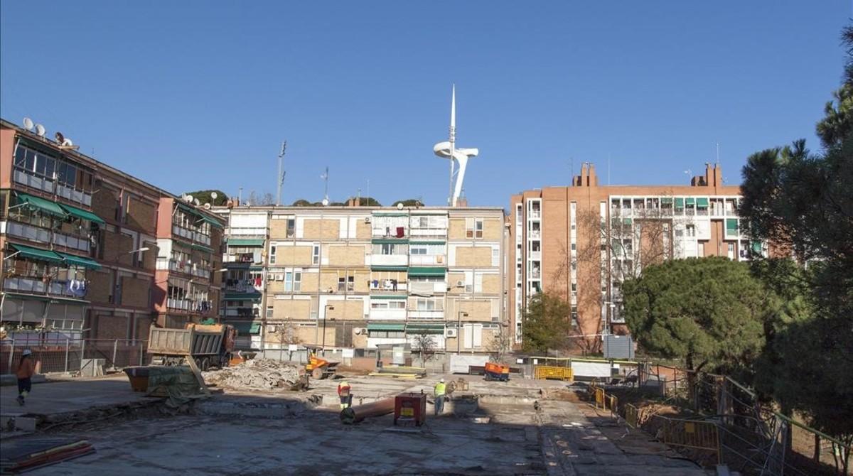 Alguna cosa passa a l'altre costat de Montjuïc