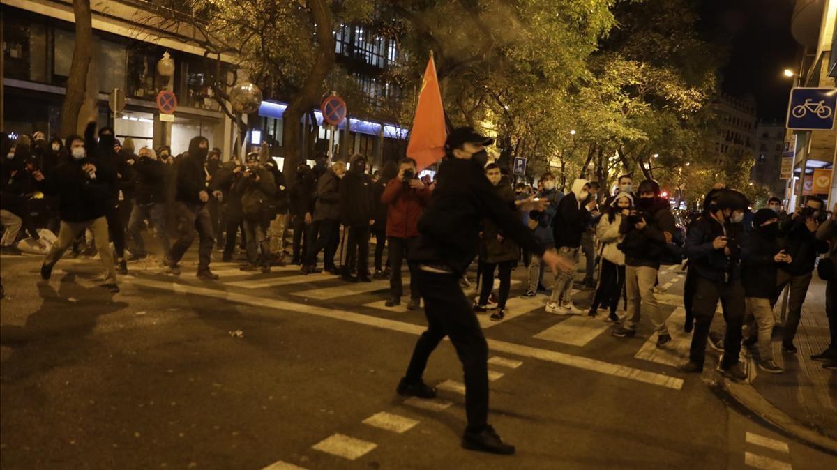 Manifestación en Barcelona contra la detención de Pablo Hasél