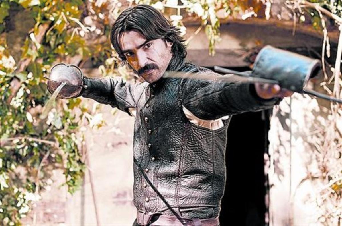 Aitor Luna interpreta al capitán Diego Alatriste en la serie de Tele 5.