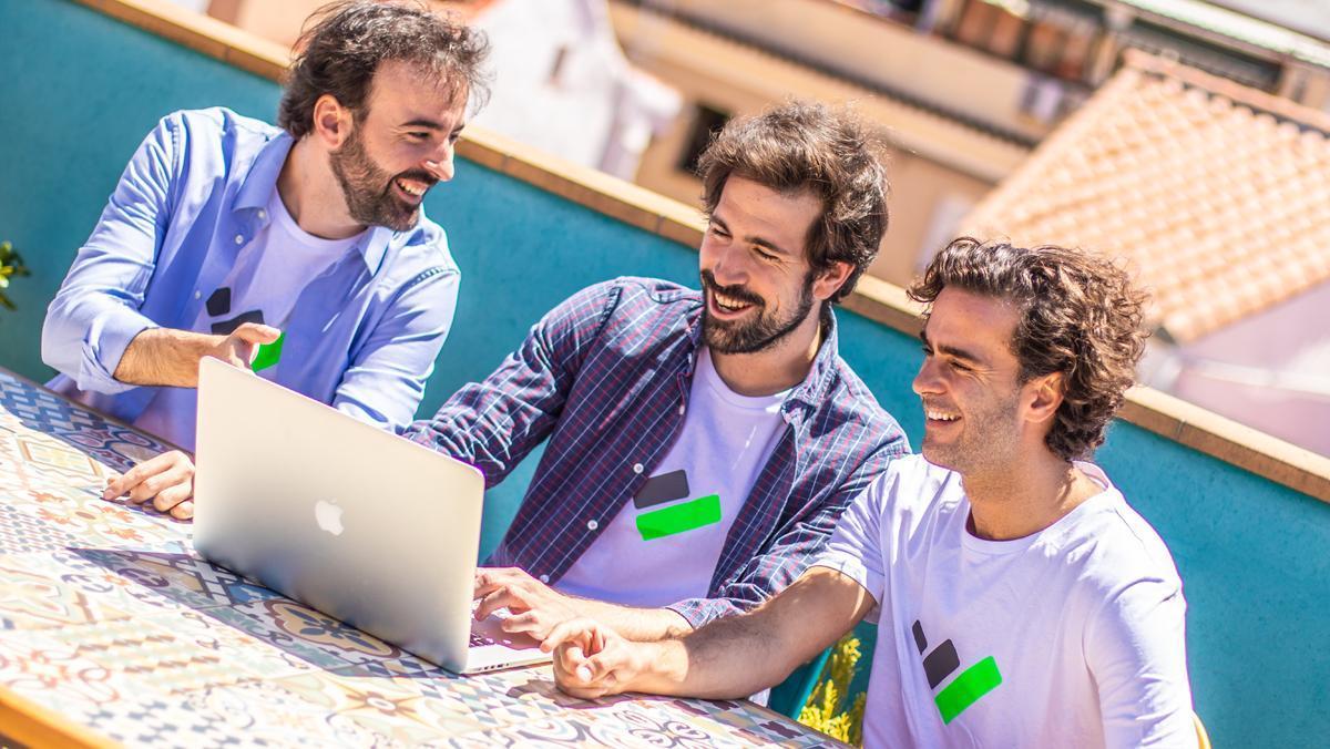 Los tres fundadores de TaxDown, una herramienta que permite ahorrar en la declaración de la renta.