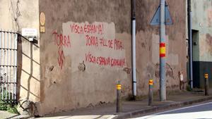 Nou incident a Verges: pintades amb símbols nazis i contra Torra
