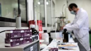 Paquetes de remdesivir de Gilead, en un hospital.