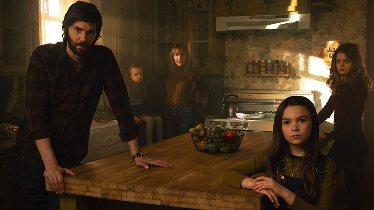 Una foto promocional de 'Home before dark'.