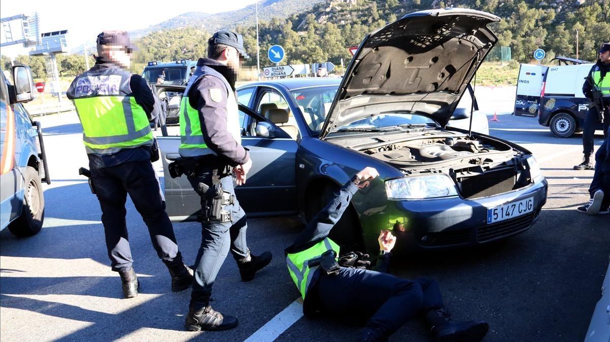 Nous controls a la Jonquera per si torna Puigdemont