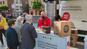 Punto de información sobre el funcionamiento de la recogida de residuos puerta a puerta, en Sant Andreu del Palomar.