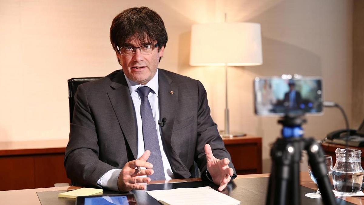 El presidente de la Generalitat, Carles Puigdemont, apuesta por la creación de un ejército catalán.