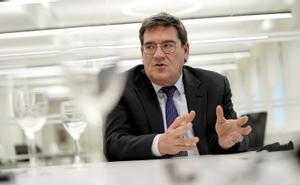 José Luis Escrivá, ministro de Inclusión, Seguridad Social y Migraciones durante la entrevista.