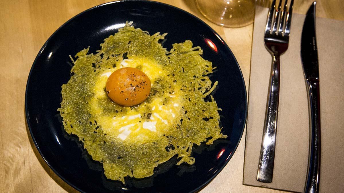 Una receta de L'Artesana: cómo preparar el 'rösti' con yema y brandada