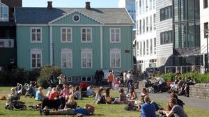 Islàndia ja considera il·legal pagar més als homes que a les dones