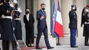 França adopta una llei per protegir les seves llengües regionals