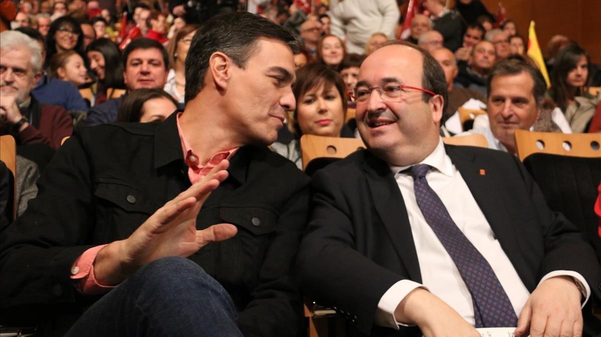 Pedro Sánchez y Miquel Iceta, en un acto de campaña en Tarragona
