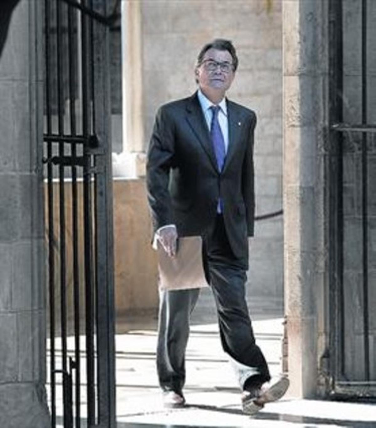 Artur Mas, ayer, trasuna reunión del Ejecutivo catalán.