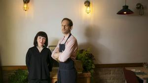 María Escobar y Ezequiel Devoto, en el restaurante Olivos, en Sants.