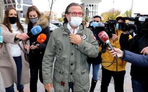 Pepe Navarro, a su llegada alos juzgados.