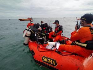 Equipos de rescate, en las inmediaciones del accidente.