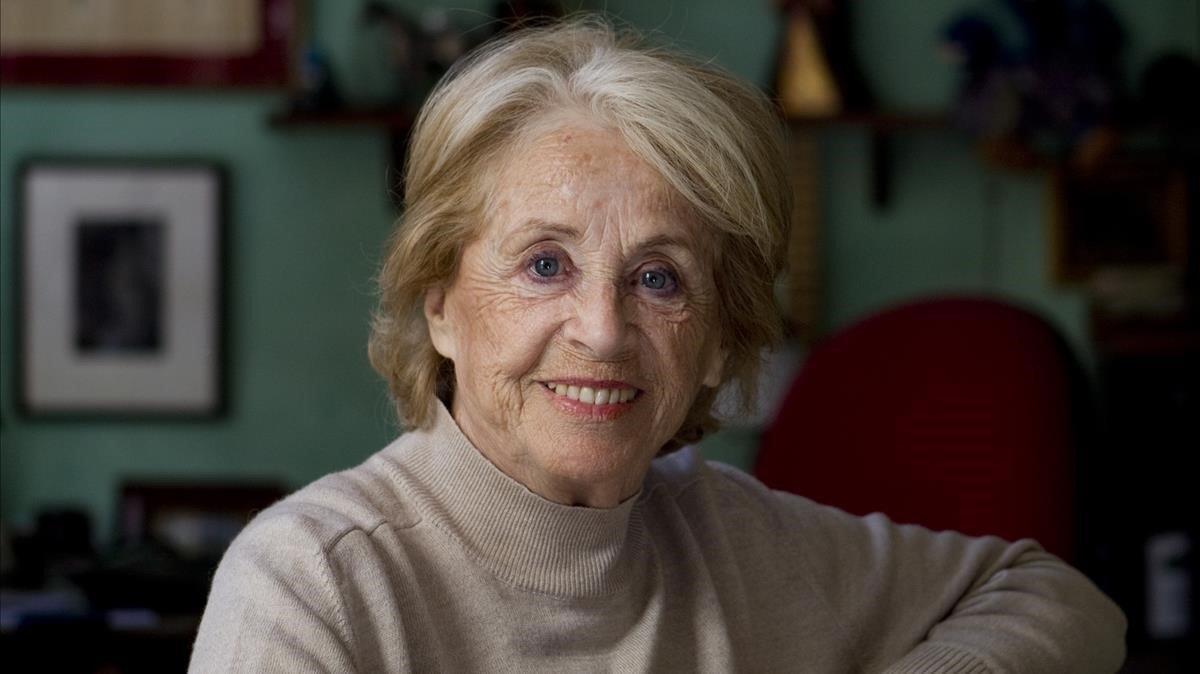Montserrat Carulla, en su casa, en una imagen del 2013.