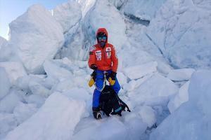 Alex Txikon, en la Cascada del Khumbu, en el Everest, esta semana.