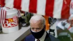 Joe Biden presidente de Estados Unidos visita pequeños negocios comoJenks