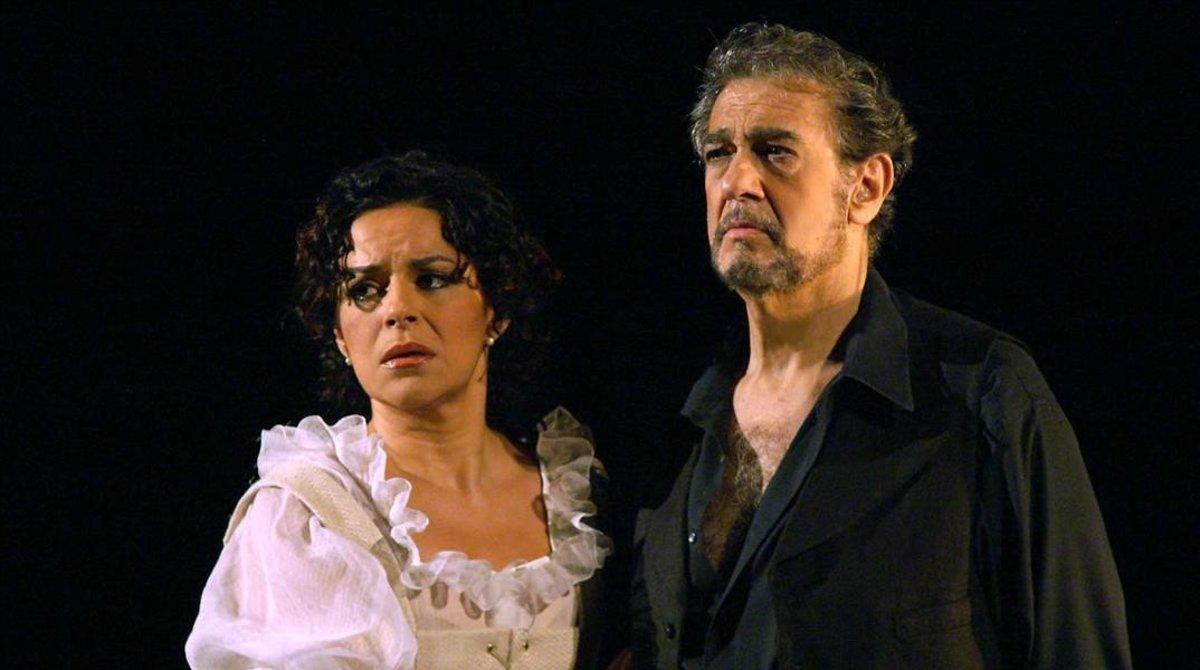 Nancy Fabiola Herrera con Plácido Domingo, en una actuación en Madrid en el 2006.