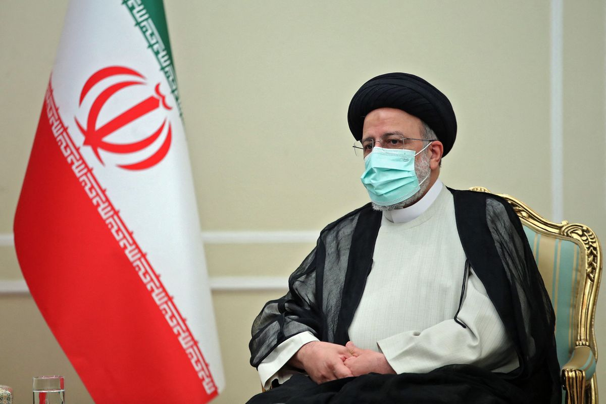 Raisí durante una reunión con el hasta ahora presidente, Saleh.