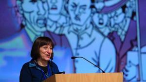 Laura Pérez Vernetti, tras recibir el Gran Premio del Salón del Cómic.