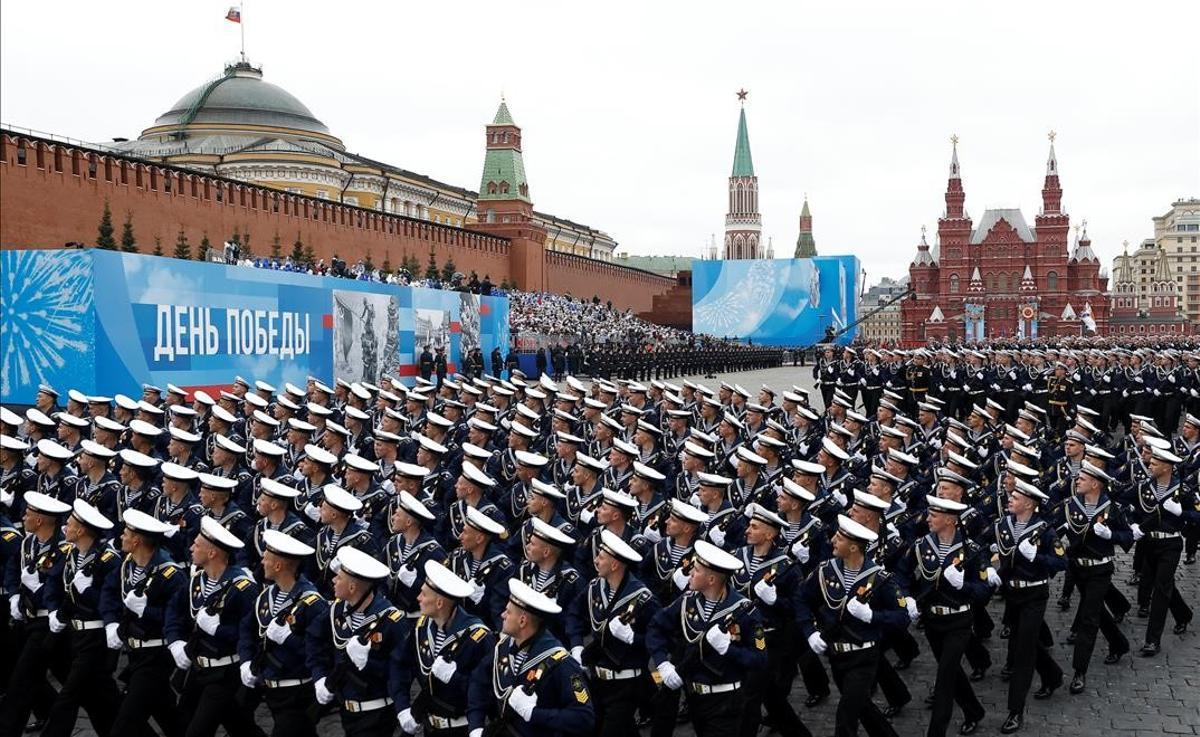 Militares rusos en el desfile del Día de la Victoria, que conmemora el 76º aniversario del triunfo sobre los nazis en la Segunda Guerra Mundial.