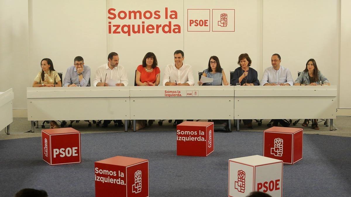 Reunión de la Ejecutiva del PSOE, este lunes en la sede del partido.