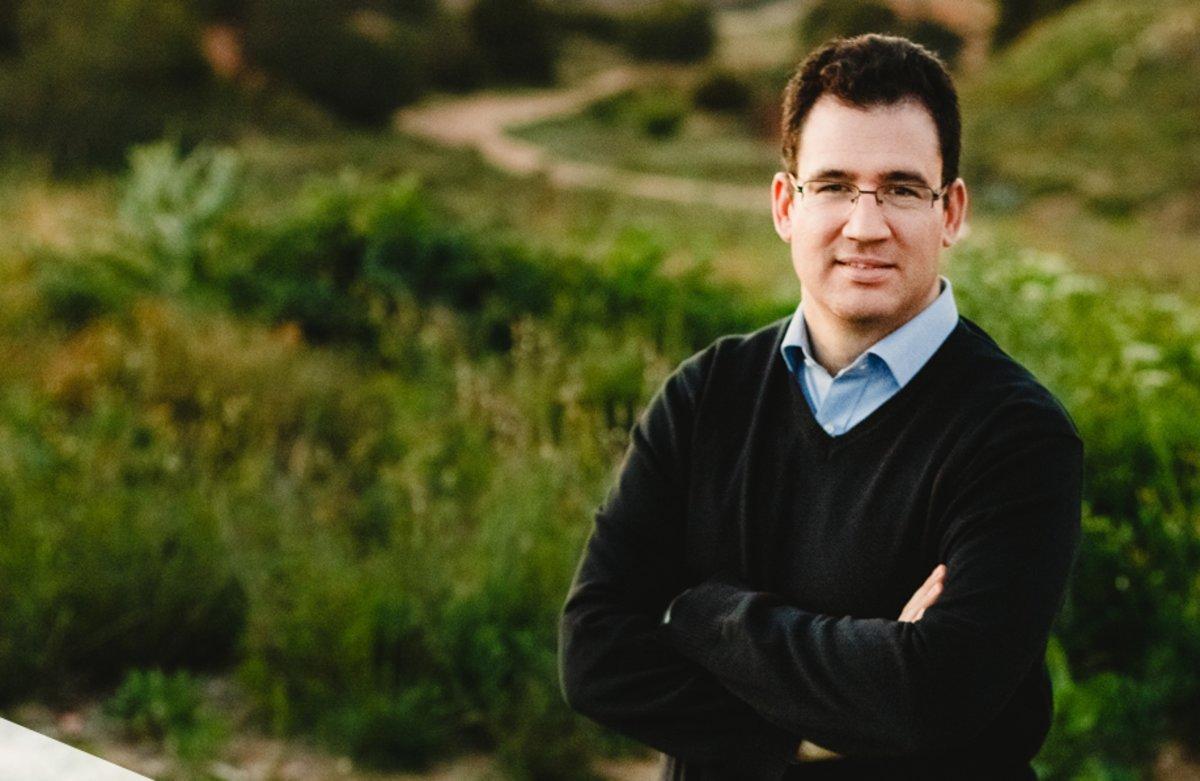 Iker Marcaide es el CEO y fundador de Zubi Labs, empresa desde la que han lanzado la iniciativa de barrio La Pinada.