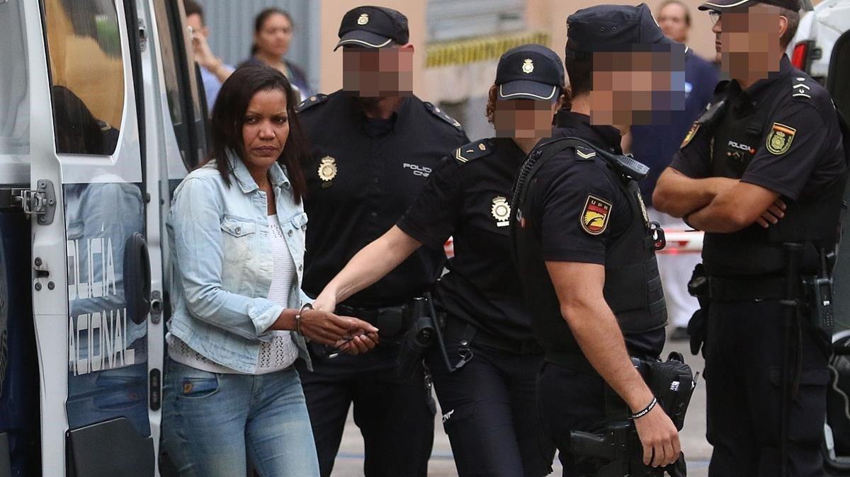 Ana Julia Quezada, al ficar Gabriel al cotxe: «Ara, a emportar-se'l d'aquí»