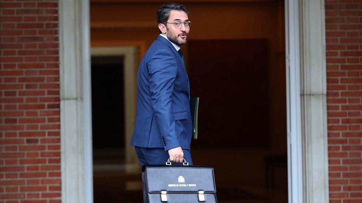 Màxim Huerta, minstro de Cultura y Deportes, entrando en reunión de ministros del pasado viernes.