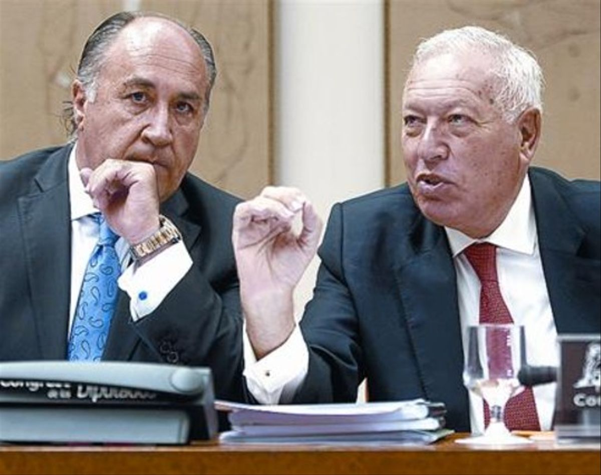 García Margallo, junto a José Ignacio Landaluce, alcalde de Algeciras.