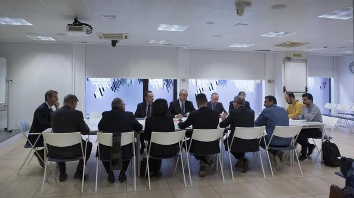 Reunión de la comisión de seguimiento de inversiones de Seat.