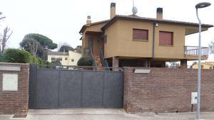 La casa de Vilobí d'Onyar (Girona) en la que un ladrón que ha entrado a robar ha sido tiroteado por el dueño.