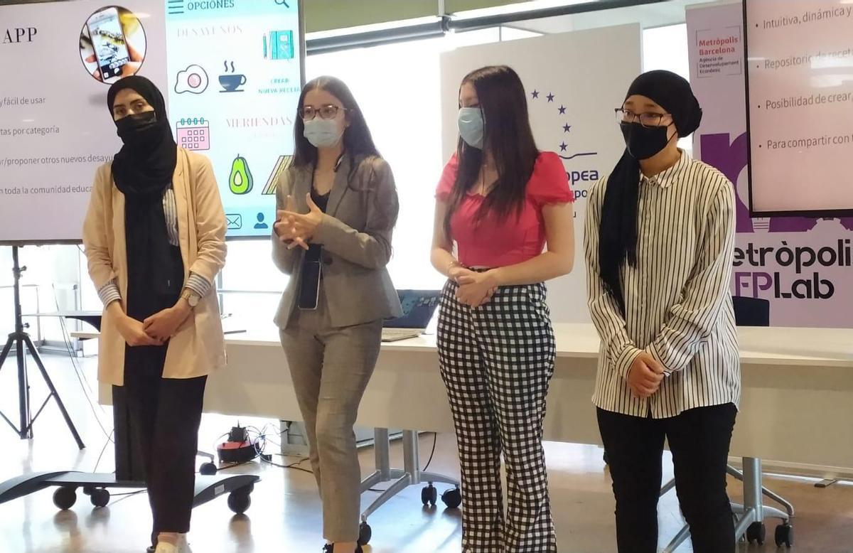 Cuatro estudiantes de Cornellá ganan el reto PEMB para mejorar la alimentación de los jóvenes
